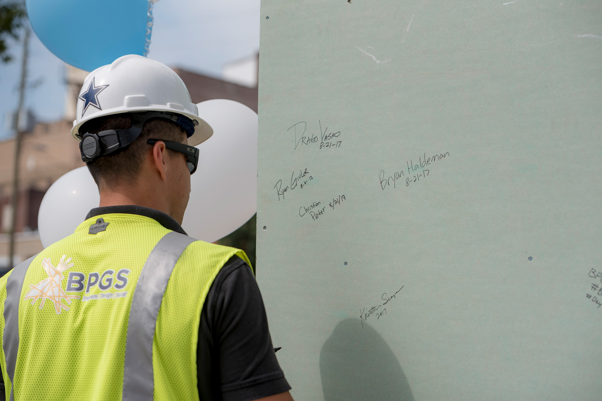 topping out of the residences at mid-town park