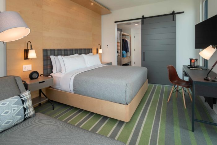 Canopy_Portland_Pearl_PDXPE_One_King_Room_0002